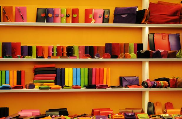 プレゼントにおすすめのレディース財布ランキング!女性に喜ばれるものは?